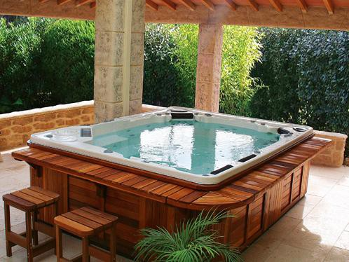 vouloir un spa jacuzzi chez soi connaitre et d couvrir le monde des spas. Black Bedroom Furniture Sets. Home Design Ideas